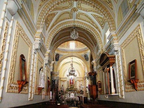 Paseo por Mexico Interior de la Parroquia de Santo Tomás Hueyotlipan