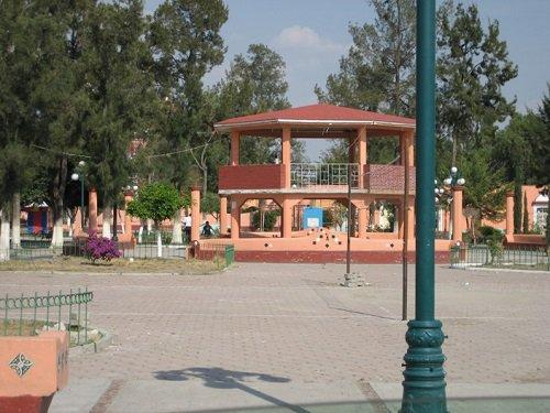 Paseo por Mexico Kiosco de Santo Tomás Hueyotlipan