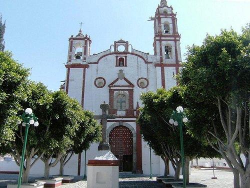 Paseo por Mexico Templo de Santiago Apóstol en Tecali de Herrera