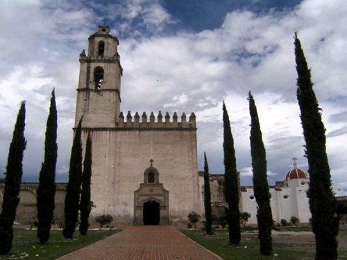 Paseo por Mexico Ex convento Franciscano de Tecamachalco
