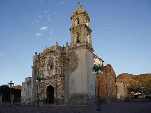 Paseo por Mexico Iglesia parroquial Tecomatlán