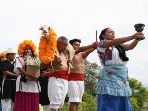 Paseo por Mexico Festival de moles de Caderas en Tehuacán