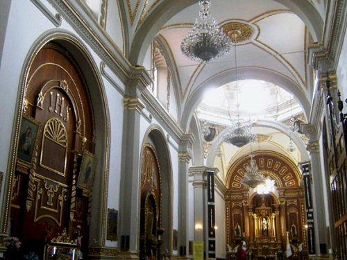 Paseo por Mexico Interior de Parroquia de Nuestra Señora del Carmen en Tehuacán