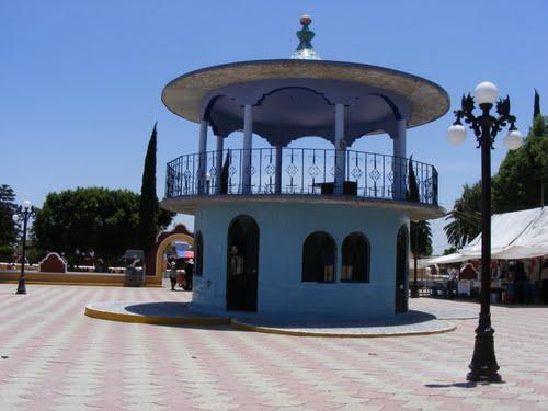 Paseo por Mexico Kiosco de San Hipolito Xochiltenango en Tepeaca