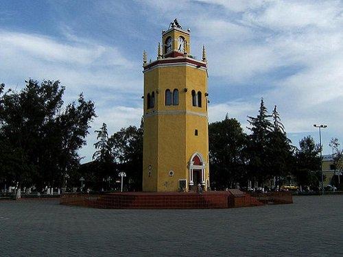 Paseo por Mexico Torre el Rollo en Tepeaca
