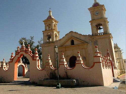 Paseo por Mexico Parroquia de San Pedro Apóstol en Tepeyahualco