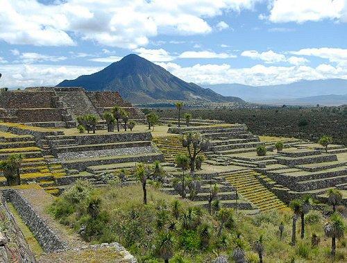 Paseo por México | Zona Arqueológica de Cantona en Tepeyahualco