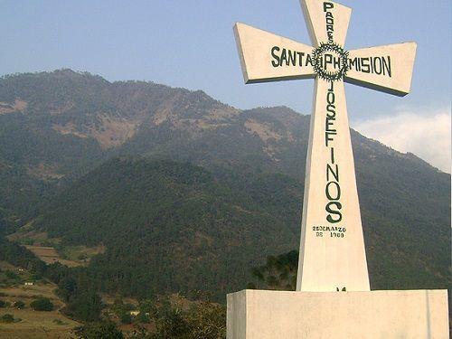 Paseo por Mexico La Cruz de San Nicolás en Tetela de Ocampo