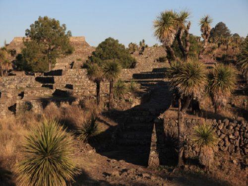 Paseo por Mexico Sitio Arqueológico de Teteles de Avila Castillo