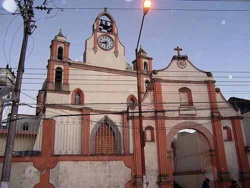 Paseo por Mexico Parroquia de San Rafael Arcángel en Teziutlán