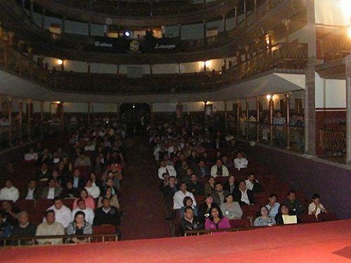 Paseo por Mexico Teatro Victoria en Teziutlán