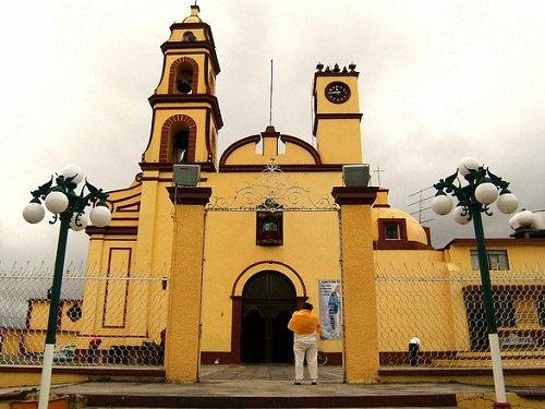 Paseo por Mexico Parroquia de la Inmaculada Concepción en Tlachichuca