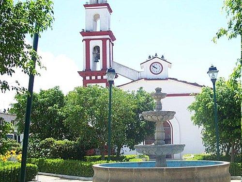 Paseo por Mexico Templo en advocación a Cristo Rey en Tlacuilotepec