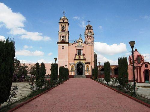 Paseo por Mexico Iglesia Parroquial dedicada a San Pedro en Tlaltenango