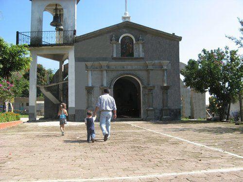 Paseo por Mexico Parroquia de Santa Ana en Tlapacoya