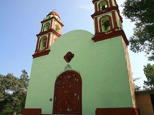 Paseo por Mexico Capilla dedicada a Santa María de Guadalupe en Tlatlauquitepec
