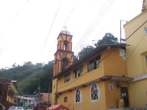 Paseo por Mexico Templo parroquial dedicado a San Agustín en Tlaxco