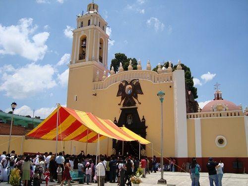 Paseo por Mexico Templo parroquial en honor a San Miguel Arcángel en Tzicatlacoyan