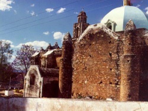 Paseo por Mexico Iglesia parroquial de San Juan Bautista en Xicotlán