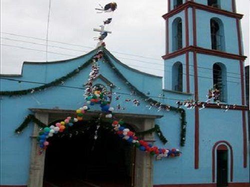 Paseo por Mexico Templo parroquial dedicado a San Martín Caballero en Xochiapulco