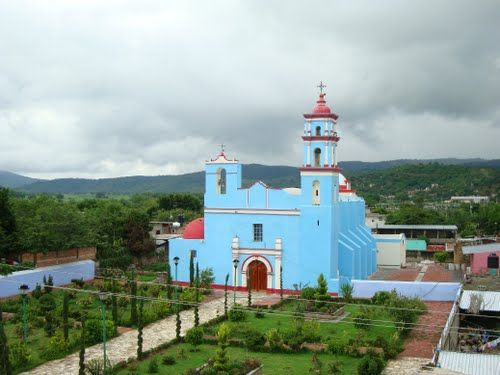 Paseo por Mexico Templo Parroquial de Xochiltepec