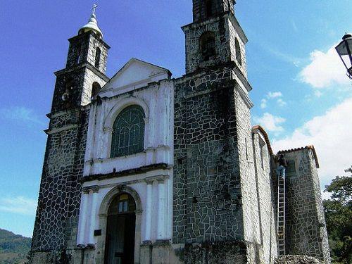 Paseo por Mexico Capilla de la Virgen de Guadalupe en Xochitlán de Vicente Suárez