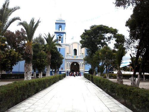 Paseo por Mexico Templo parroquial dedicado a la Santísima Virgen María en Xochitlán Todos Santos