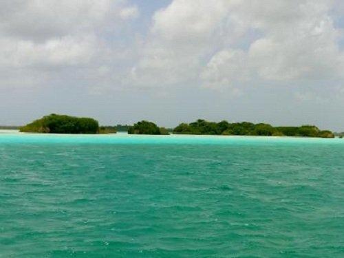Paseo por Mexico Isla de los pájaros en Bacalar