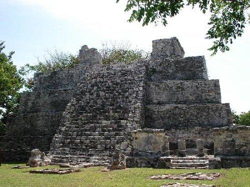 Paseo por Mexico Zona Arqueológica El Meco en Benito Juárez