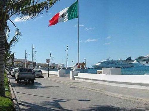 Paseo por Mexico Malecón de San Miguel de Cozumel