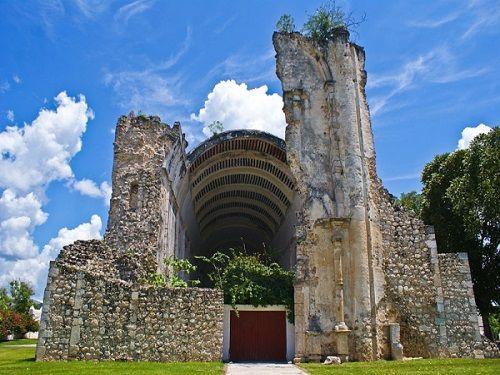Paseo por Mexico Templo del Santo Niño Jesús en Felipe Carrillo Puerto
