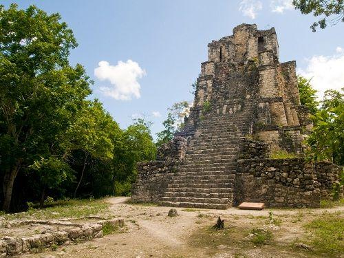 Paseo por Mexico Zona arqueológica de Chunyaxché (Muyil) en Felipe Carrillo Puerto