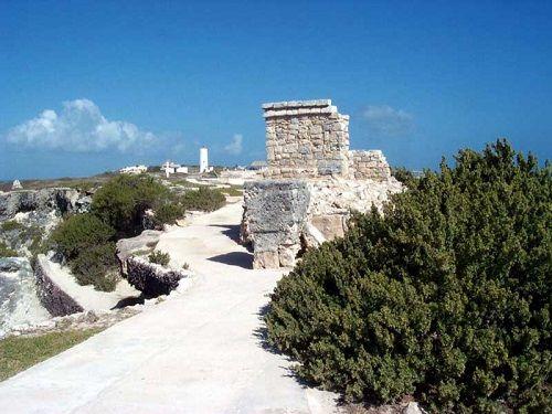 Paseo por Mexico Templo de Ixchel en Isla Mujeres