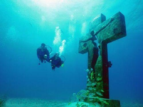 Paseo por Mexico Cruz de la Bahía en Isla Mujeres
