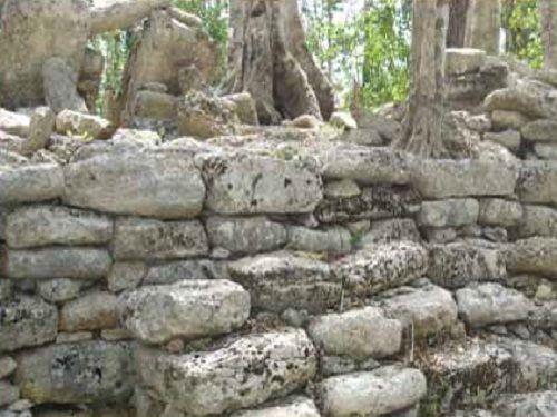 Paseo por Mexico Ruinas Arqueológicas Naranjal en Lázaro Cárdenas