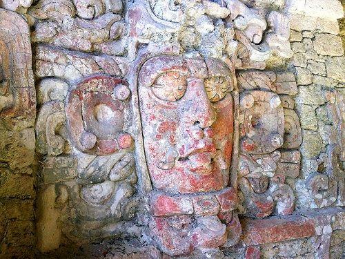Paseo por Mexico Zona Arqueológica de Kohunlich en Othón P. Blanco