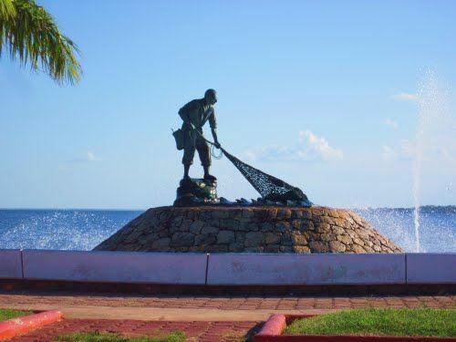 Paseo por Mexico Monumento al Pescador en Othón P. Blanco