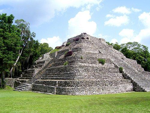 Paseo por Mexico Zona Arqueológica de Chacchobén en Othón P. Blanco