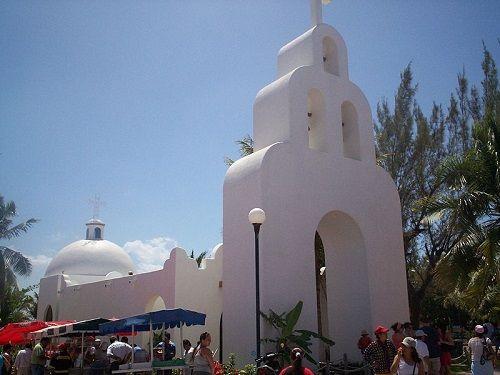 Paseo por Mexico Capilla de Nuestra Señora del Carmen en Solidaridad