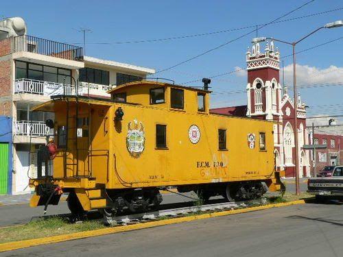 Paseo por Mexico Máquina de vapor No. 212 de Apizaco