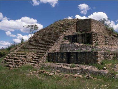 Paseo por Mexico Zona arqueológica La Herradura en Calpulalpan