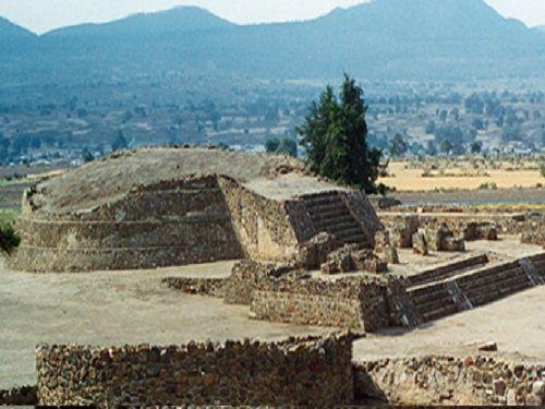 Paseo por Mexico Zona arqueológica Tecoaque en Calpulalpan